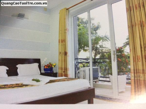 Hotel Huệ Bình nội thất sang trọng, cách chùa Bà 100m