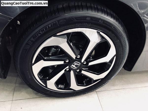 Bán xe C250 AMG 2015 , xe lăn bánh 19000km, siêu hot