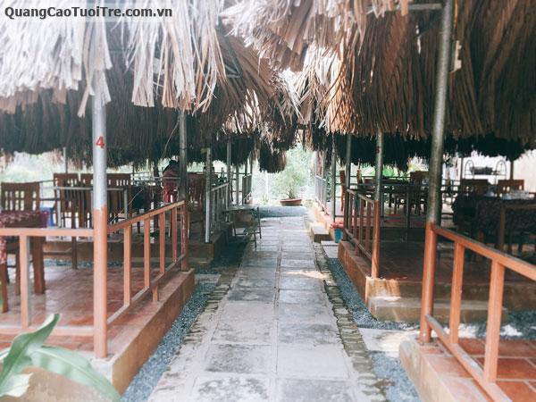 Quán Ăn Gia Đình Sân Vườn DoLa Tại Bình Chánh