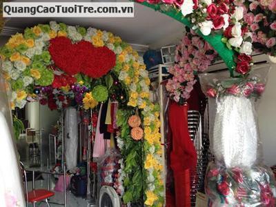 Thanh lý bàn ghế, cổng hoa, áo vest tại quận Gò Vấp